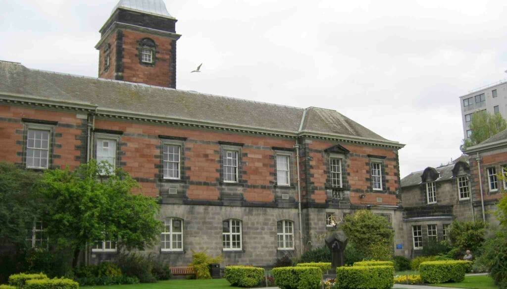 dundee-medical-school-review-landscape